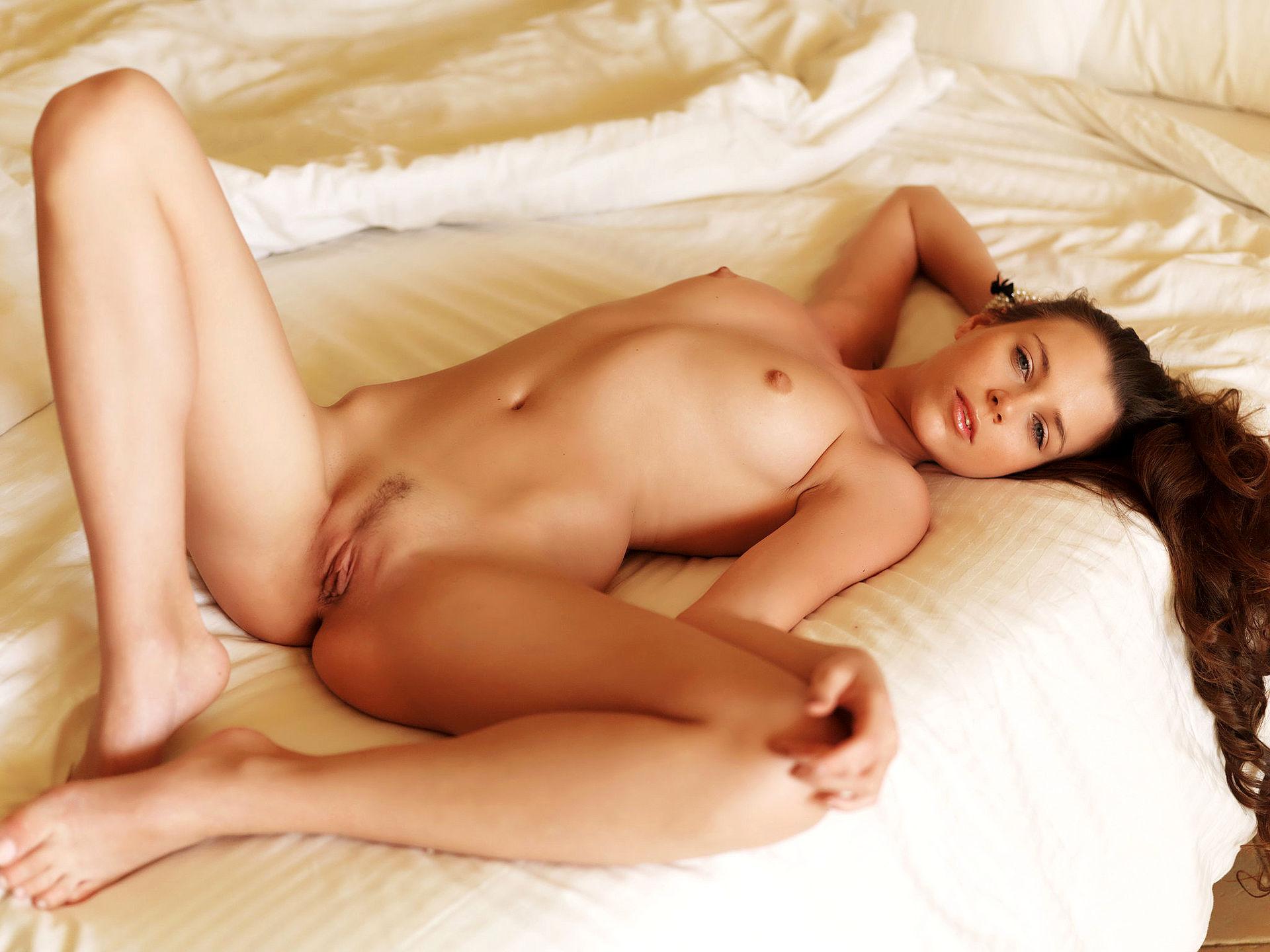 Nackte Frauen Im Bett