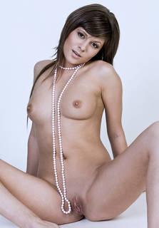 Gallant fille nue.